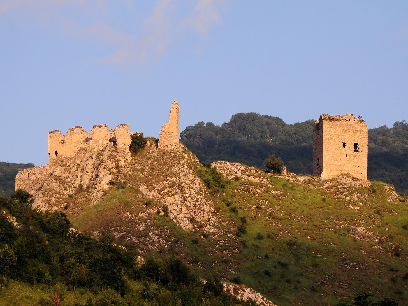 Cetatea_Trascaului
